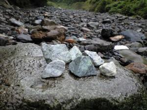 青海川の翡翠