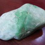 上質な緑翡翠