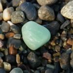 上質緑翡翠の小石
