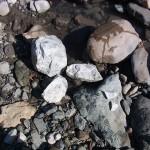 割られた翡翠原石
