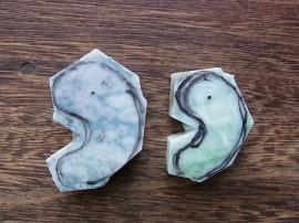 翡翠原石 青と緑