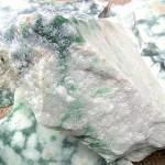 小滝産翡翠原石