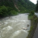 濁流の青海川