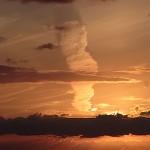 須沢海岸の夕焼け雲