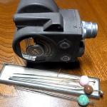 古い8mm撮影機と簪 大須骨董市