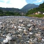 青海川河口近く