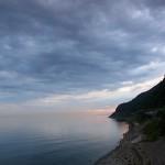 早朝の市振海岸
