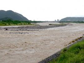 姫川の濁流 1日目