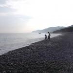 翡翠探しの2人 宮﨑海岸