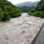 青海川の濁流 3日目