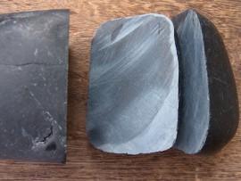 翡翠原石 黒