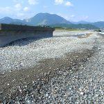潮が引いた須沢海岸