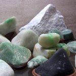 小さなヒスイ原石館