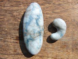 勾玉と大珠 入りコン沢の青翡翠