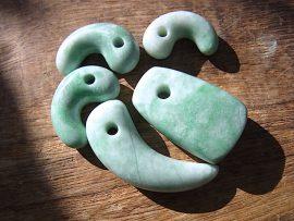 勾玉 石笛 緑翡翠