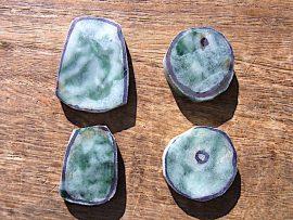 玉斧 丸形垂飾 圧砕緑翡翠
