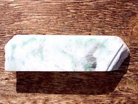 翡翠板 白地に緑